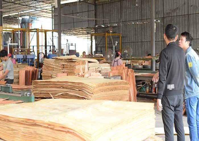 合格的建筑模板生产厂家